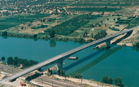Pont de Riba-Roja - Ejemplos de uso del hormigón