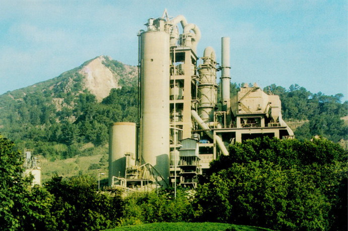 Fábrica de cemento - MONTCADA I REIXAC LAFARGE CEMENTOS S.A.U. – GRUPO LAFARGEHOLCIM