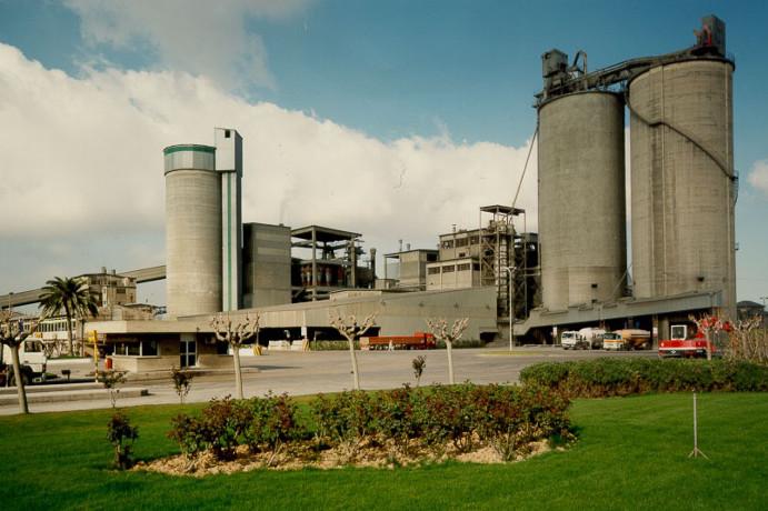 Fábrica de cemento - SANTA MARGARIDA I ELS MONJOS GRUP CEMENTOS PORTLAND VALDERRIVAS