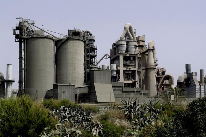 Fábrica de cemento - VALLCARCA GRUP CEMENTOS PORTLAND VALDERRIVAS
