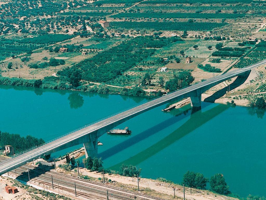 El cemento es Vida - Infraestructuras y economía